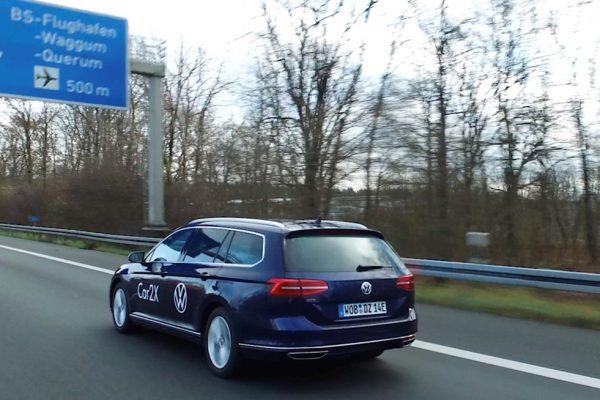 In Germania l'autostrada comunica con le auto con la tecnologia Car2X
