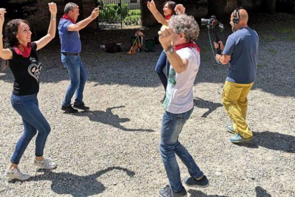 Il festival Occit'amo scalda i motori con un corso online sui balli della tradizione