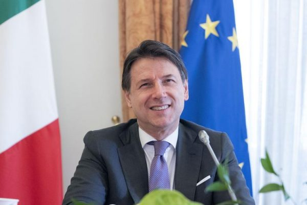 """Stati Generali, Conte: """"L'Italia non può tornare alla normalità, dobbiamo sfruttare questa crisi per rilanciarci"""""""