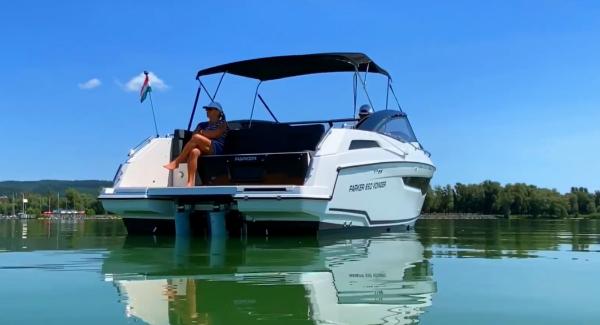 Sul lago Balaton i motori elettrici delle barche parlano italiano