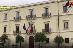 Appalti: arrestati sindaco, vice e assessore nel Nisseno per concussione, corruzione e abuso di ufficio