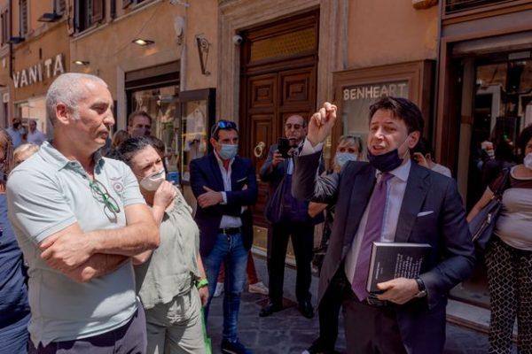 Giuseppe Conte, la crisi è paurosa (e non è salvo intese)