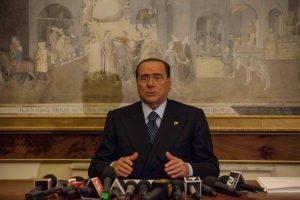 """Berlusconi: """"Non governeremo con le sinistre"""""""