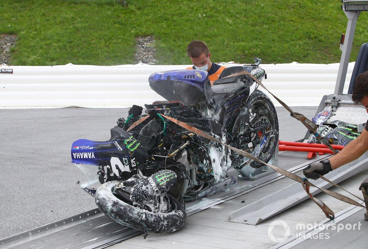 Moto de Maverick Viñales, Yamaha Factory Racing después de la caída