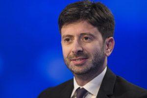 """Coronavirus, Speranza: """"Chiudere tutto ha salvato l'Italia"""""""