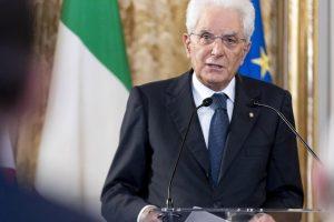 Offese al presidente Mattarella su Twitter, indagato e perquisito 46enne di Lecce