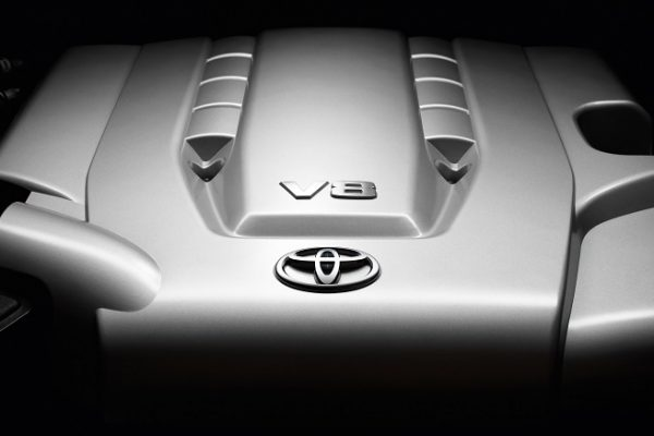 Toyota, stop allo sviluppo dei motori V8