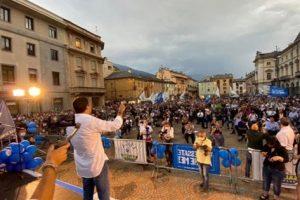 Aosta, contesta Salvini con la maschera della Casa di Carta: denunciata in base alla legge Reale del 1975