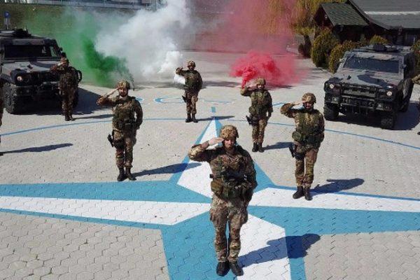 Kosovo: militari italiani donano ai bambini ausili per esercizi fisici e motori