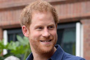 Meghan Markle cancellata dalle foto: Harry ferito dal gesto della Regina