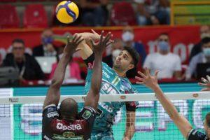 Perugia show: la Supercoppa è sua. Resa Civitanova al tie-break