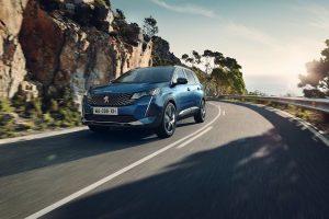 Peugeot 5008 2021: allestimenti, motori e prezzi