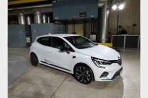 Renault lancia la Clio Ibrida che si ricarica frenando