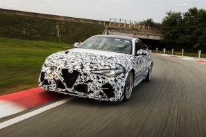 Alfa Romeo Giulia Gta: prova d'esame con Räikkönen e Giovinazzi