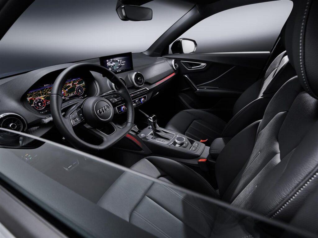 Audi Q2 interni