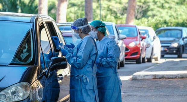 Covid Lazio, bollettino di oggi 12 ottobre: 395 positivi (158 a Roma) e 8 morti. Record di tamponi
