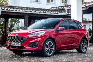 Ford Kuga 2.5 Full Hybrid: dotazioni e prezzi