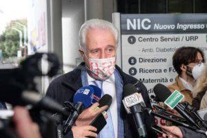 Giani annuncia una nuova ordinanza: stop alle visite in ospedale, Dad alle superiori