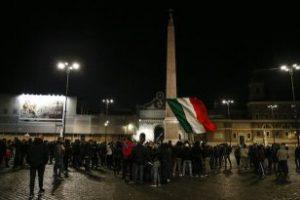 La protesta di Forza Nuova contro il coprifuoco a Roma