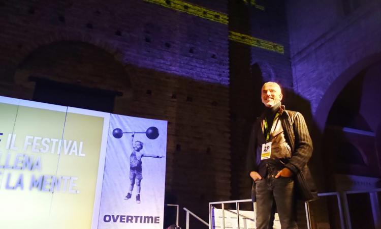 """Macerata, """"Lo sport è più di un semplice divertimento"""": Federico Buffa incanta Overtime"""
