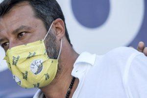 """Matteo Salvini, minacce oscene: """"Ti sgozzo vivo, poi a tua figlia… ultimo avvertimento"""", incolumità a rischio?"""