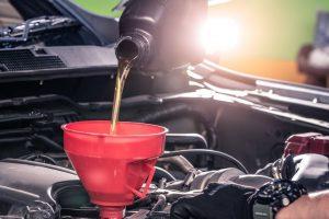 Ogni quanto cambiare l'olio del motore dell'auto