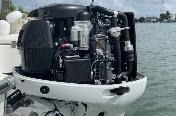 Suzuki Micro-Plastic Collector all'interno del motore fuoribordo