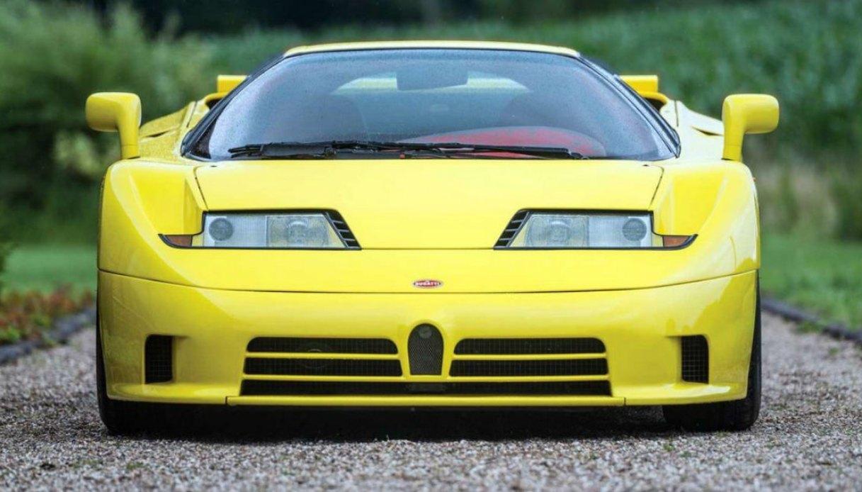 Bugatti EB110 SS di color giallo