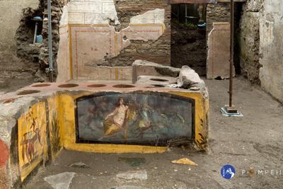 Pompei, nuova scoperta: ritrovato Termopolio intatto