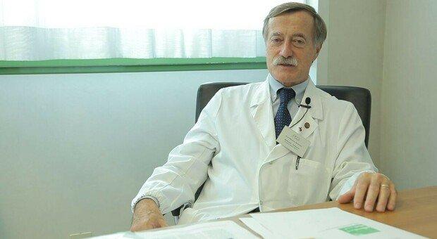 «Obbligo vaccino per chi lavora nelle Rsa», dice l'infettivologo Massimo Andreoni
