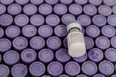 Vaccino Pfizer in Italia, 'bugiardino': dosi e effetti di Comirnaty