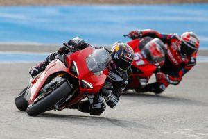 GALLERIA: Alcune stelle del MotoGP™ scaldano i motori