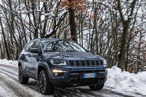 Jeep Compass 4xe: allestimenti e prezzi del Suv ibrido plug-in