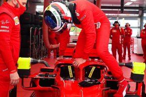 """La Ferrari riaccende i motori: """"pulcini rossi"""" in pista, in attesa di Leclerc e Sainz Jr. – Sportmediaset"""