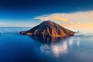 Stromboli, trabocco lavico dal cratere Nord