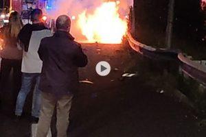 Auto in fiamme sulla tangenziale uscita Canalicchio