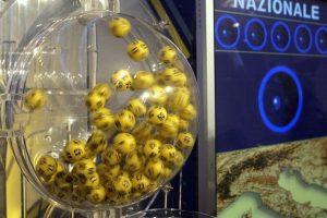 Estrazione Lotto e Superenalotto di oggi 25 febbraio, ecco i numeri fortunati