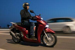 L'Sh più muscoloso di sempre, Honda lancia il 350i. Il re degli scooter a ruota alta…