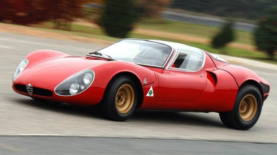 Le auto italiane più iconiche con motore V8: l'Alfa Romeo 33 Stradale