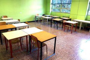 Covid, due terzi dell'Italia verso restrizioni più dure | Scuole chiuse nelle zone rosse: milioni di studenti in Dad