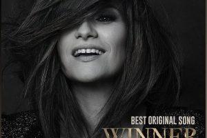 """Golden Globe, """"Io sì"""" di Laura Pausini premiata come miglior canzone originale: """"Non ci posso credere"""". Trionfano """"Nomadland"""" e """"The Crown"""""""