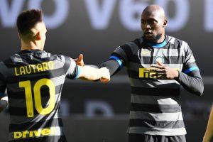 Inter, ombre su Lukaku. Lo United chiede Lautaro o Skriniar