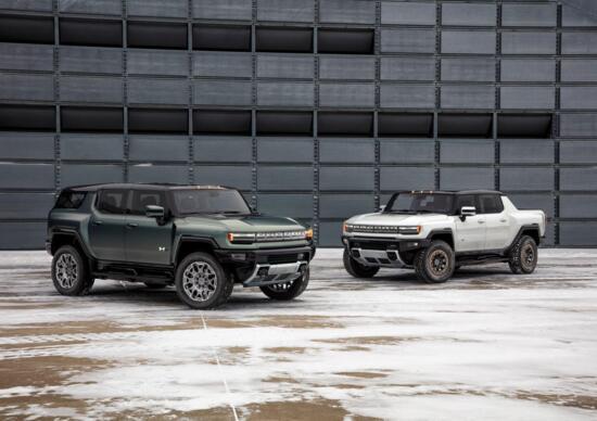 GMC Hummer EV SUV, tre motori elettrici ed 830 CV per il colosso del fuoristrada