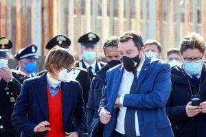 """Migranti, caso Gregoretti: """"Non ci fu sequestro di persona"""". Pm di Catania chiede il non luogo a procedere…"""