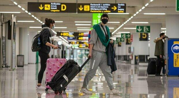 Turismo, quando riapriranno gli hotel? Garavaglia: «presto date, viaggeremo con il lascia passare web»