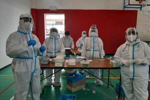Covid: curva stabile sotto 100 contagi in Sardegna,5 decessi
