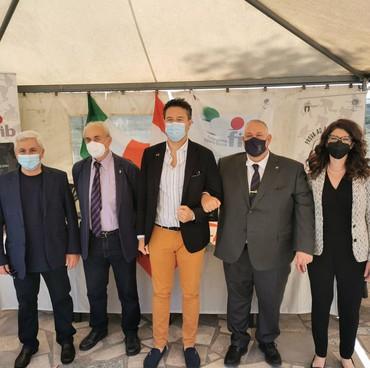 Foto ricordo con l'assessore Rossi e il sindaco Vivarelli Colonna per la ripresa attività