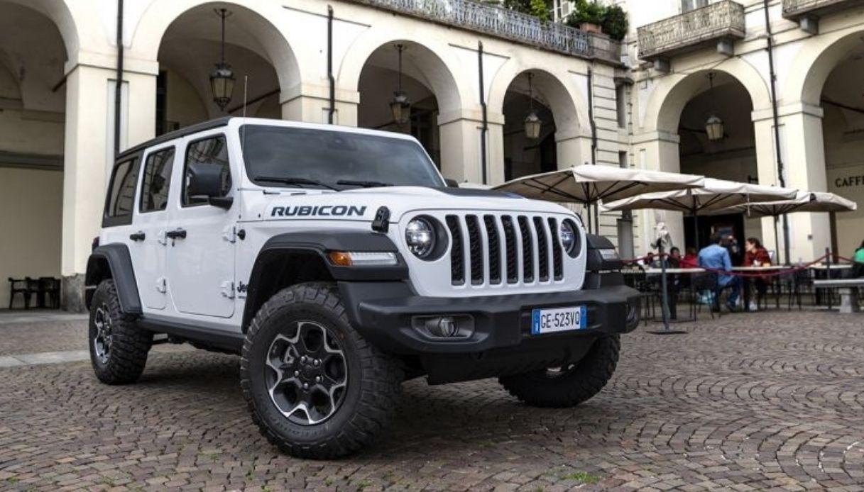 Jeep presenta la nuova Wrangler 4xe