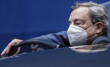"""Mario Draghi, indiscreto dal pieno del G7: Speranza e Figliuolo raggiunti da una telefonata, """"al limite dello scontro"""""""