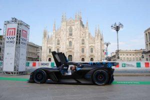 Milano Monza Motor Show, i motori tuonano davanti al Duomo